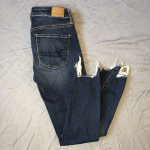 American Eagle cropped raw hem skinny jeans size 2